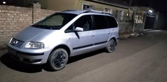 Volkswagen Sharan 1.8л