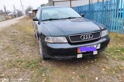 Audi A4 1.6л