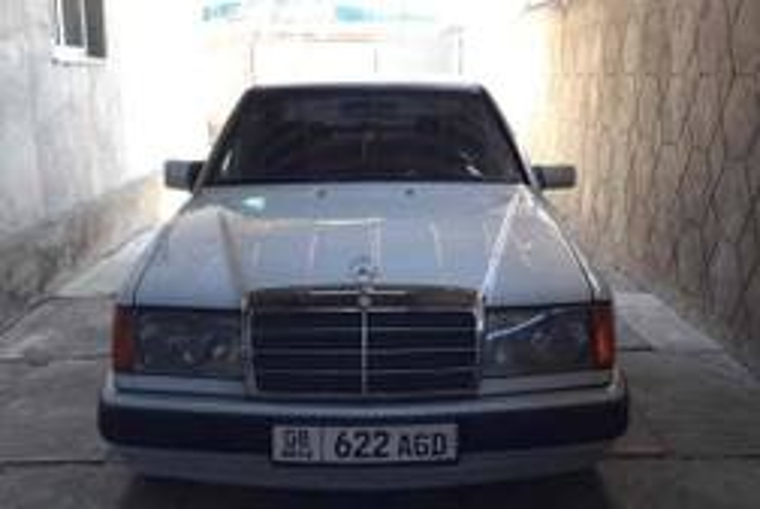 Mercedes-Benz E-Класс W124 Седан 4-дв.