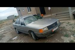 Audi 100 1.8л