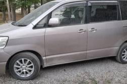 Toyota Noah 2.0л