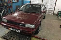 Nissan Bluebird 2.0л