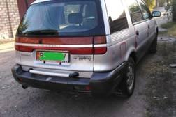 Mitsubishi Chariot 2.0л