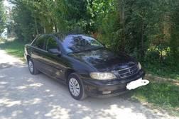 Opel Omega 2.2л