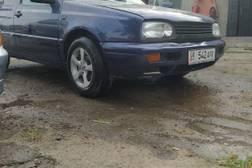 Volkswagen Golf 1.6л