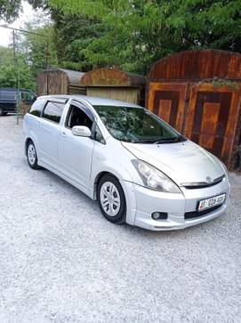 Toyota Wish 2.0л