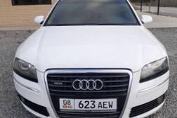 Audi A8 3.2л