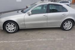 Продаю Mercedes benz E211 2003 год