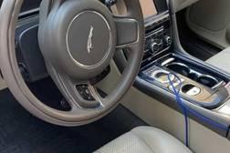 Jaguar XJ 3.0л