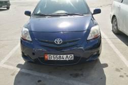 Toyota Yaris 1.5л